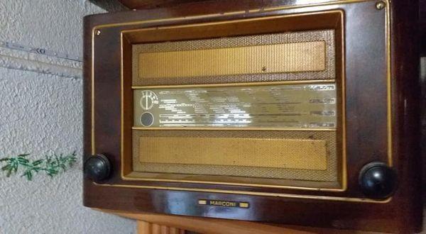 poste-radio-marconi-551-big-0