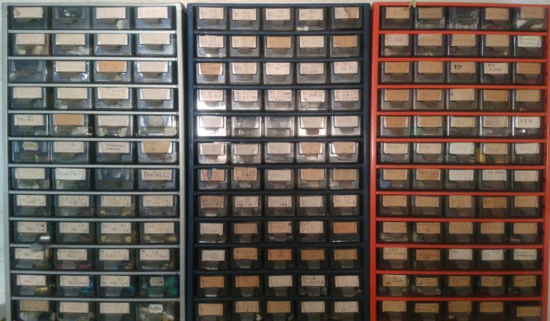 stock-pieces-vintage-1001-semiconducteurs-big-1