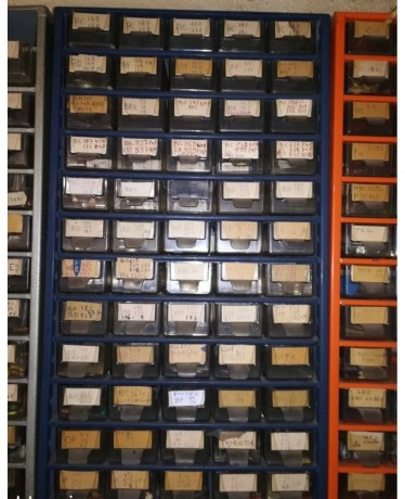 stock-pieces-vintage-1001-semiconducteurs-big-8
