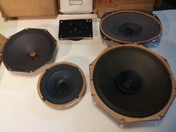 hauts-parleurs-vintage-neufs-lot-a-recuperer-big-0