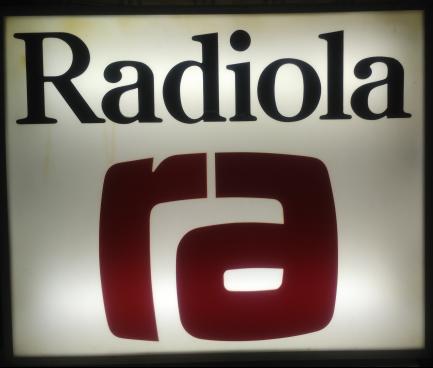 enseigne-radiola-plexiglass-en-relief-79x96cm-vintage-70s-neuf-big-0